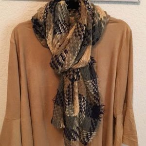 BeautifulWoven shawl scarf 🧣 for fall